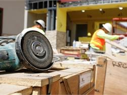 Nieuw op 1 juli - Ook aannemers verplicht om aansprakelijkheidsverzekering af te sluiten
