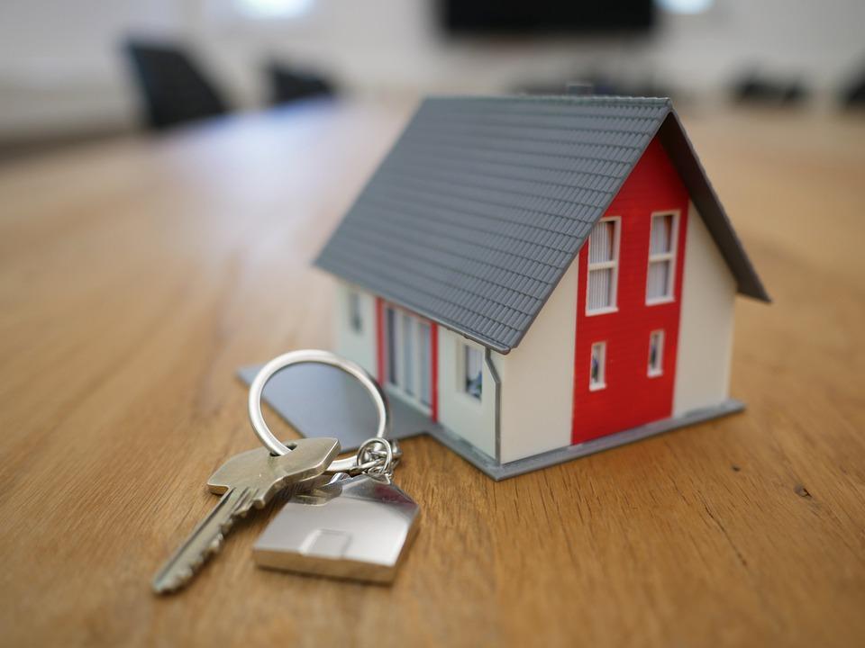 Brusselse regering koopt 5 transitwoningen voor wie uit veiligheid uit woning moet