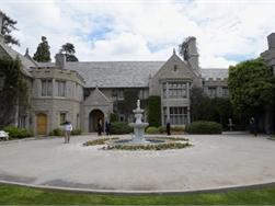 Playboy Mansion terug op de markt - koper haakt af