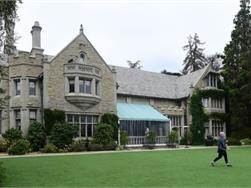 Playboy Mansion aan miljardairszoon verkocht